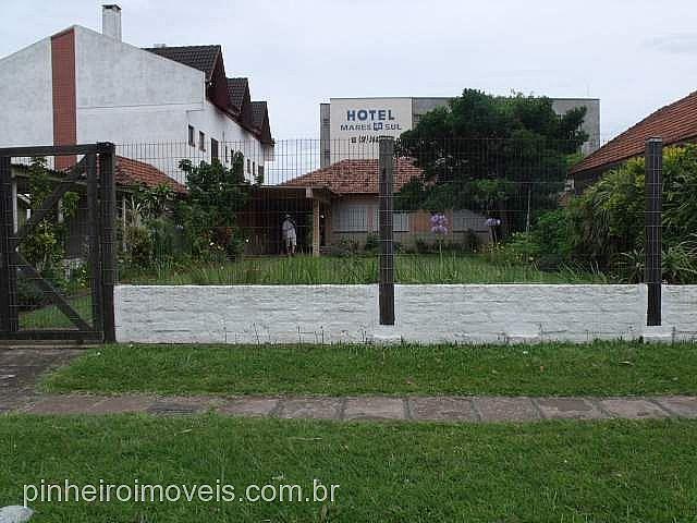 Pinheiro Imóveis - Casa 3 Dorm, Centro, Tramandaí