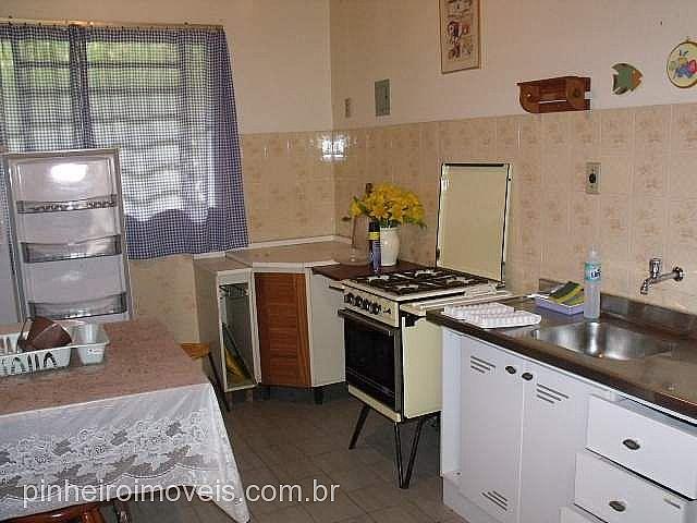 Pinheiro Imóveis - Casa 3 Dorm, Centro, Tramandaí - Foto 9