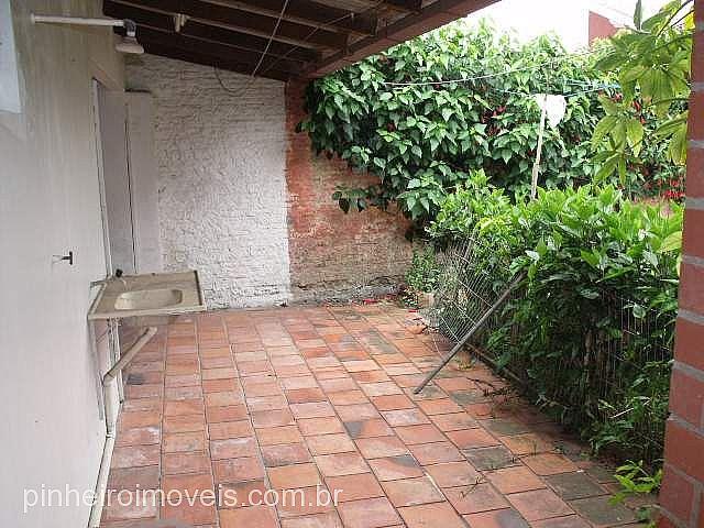 Pinheiro Imóveis - Casa 3 Dorm, Centro, Tramandaí - Foto 8