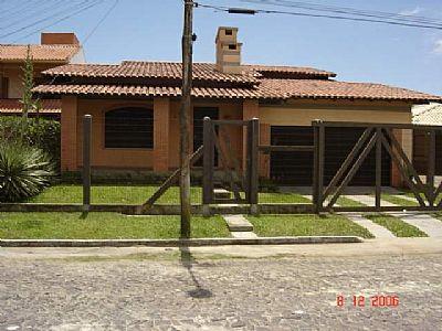 Pinheiro Imóveis - Casa 3 Dorm, Zona Nova (9176)