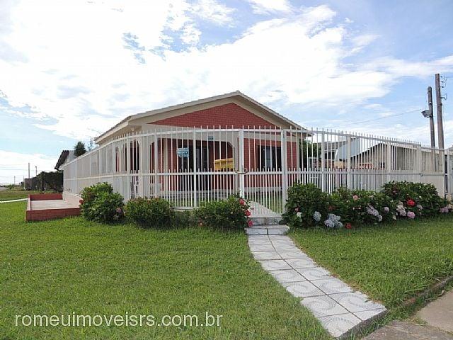 Romeu Imóveis - Casa 3 Dorm, Nazaré, Cidreira