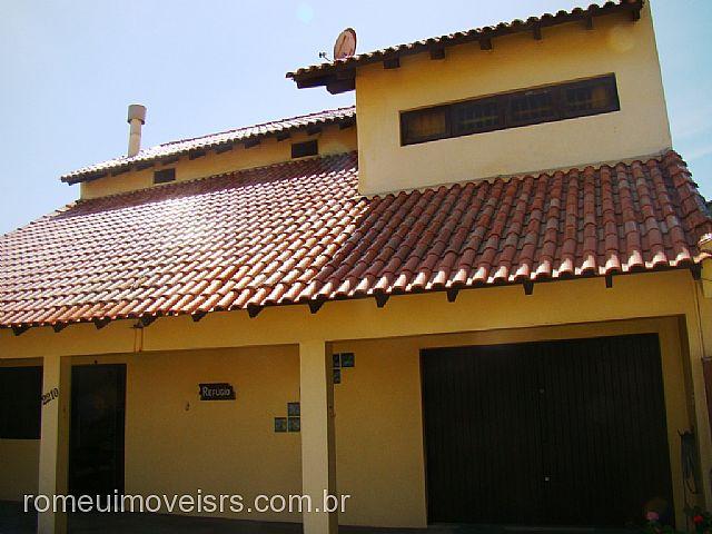 Imóvel: Romeu Imóveis - Casa 3 Dorm, Centro, Cidreira