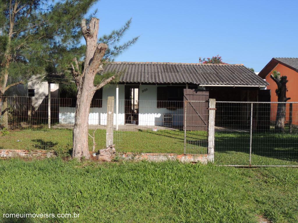Romeu Imóveis - Casa 2 Dorm, Parque dos Pinus