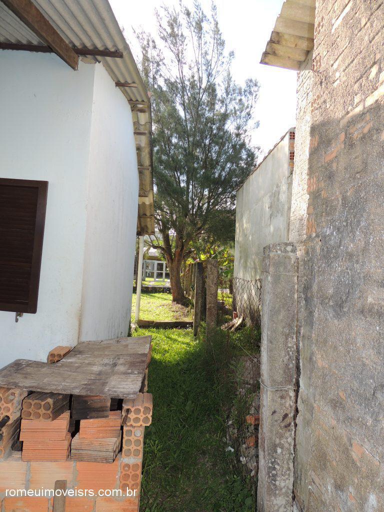 Romeu Imóveis - Casa 2 Dorm, Parque dos Pinus - Foto 4