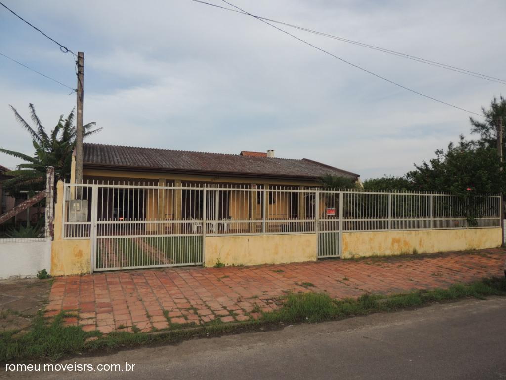 Im�vel: Romeu Im�veis - Casa 3 Dorm, Centro, Cidreira
