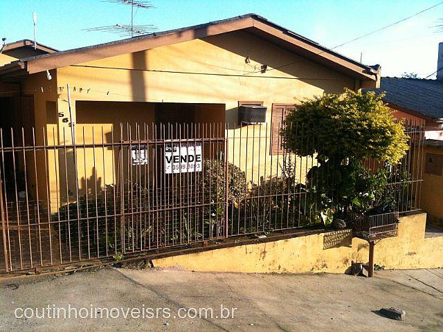 Coutinho Imóveis - Casa 3 Dorm, São Luiz (110360)