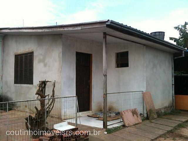 Coutinho Imóveis - Casa 2 Dorm, Amaral Ribeiro - Foto 2