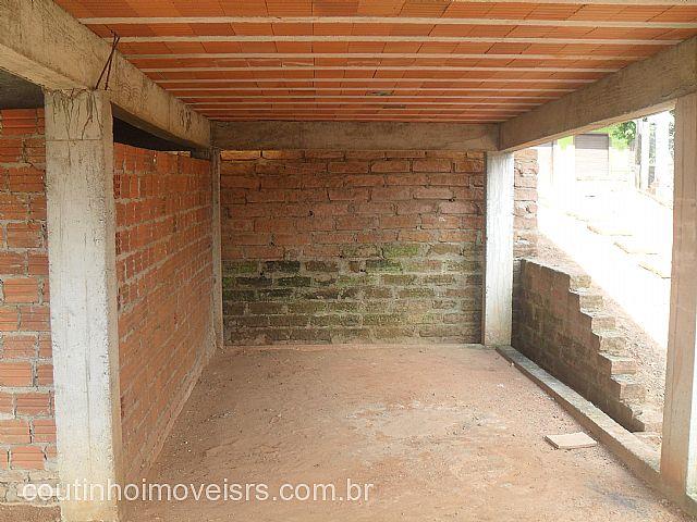 Imóvel: Coutinho Imóveis - Casa 2 Dorm, Santa Fé (134412)