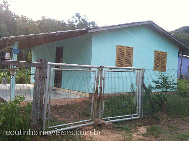 Coutinho Imóveis - Casa 2 Dorm, Amaral Ribeiro
