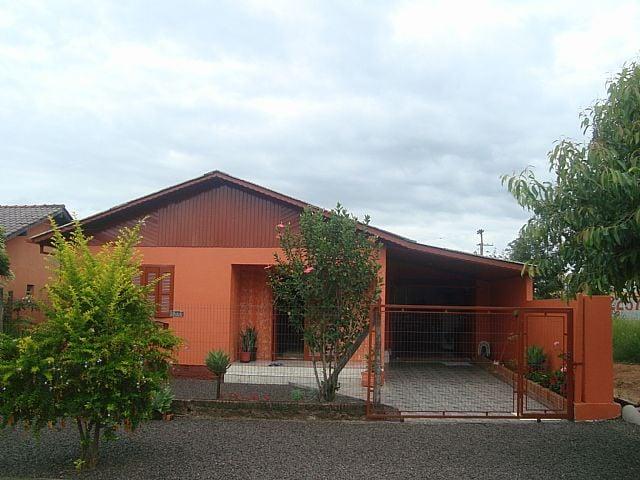 Coutinho Imóveis - Casa 2 Dorm, São Luiz (14146)