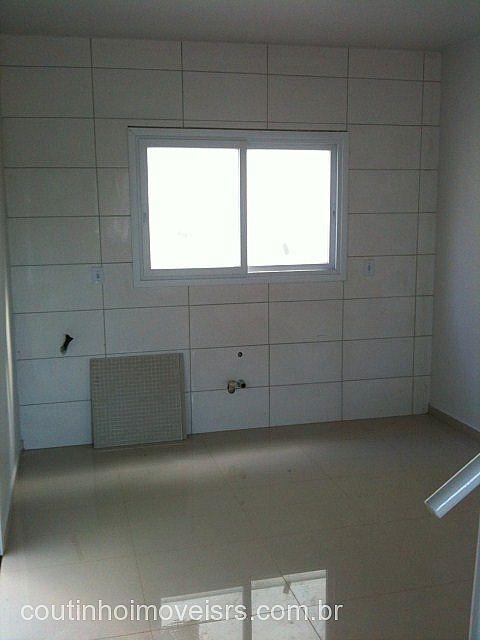 Coutinho Imóveis - Casa 2 Dorm, Centenário - Foto 9