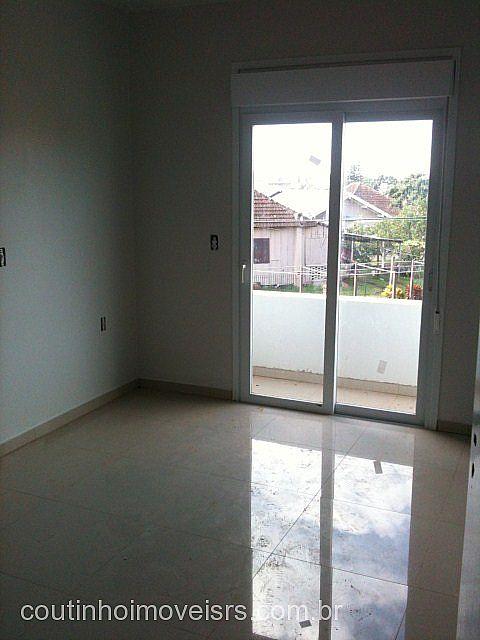 Coutinho Imóveis - Casa 2 Dorm, Centenário - Foto 4