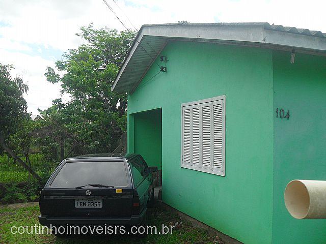Coutinho Imóveis - Casa 3 Dorm, Centro, Parobe