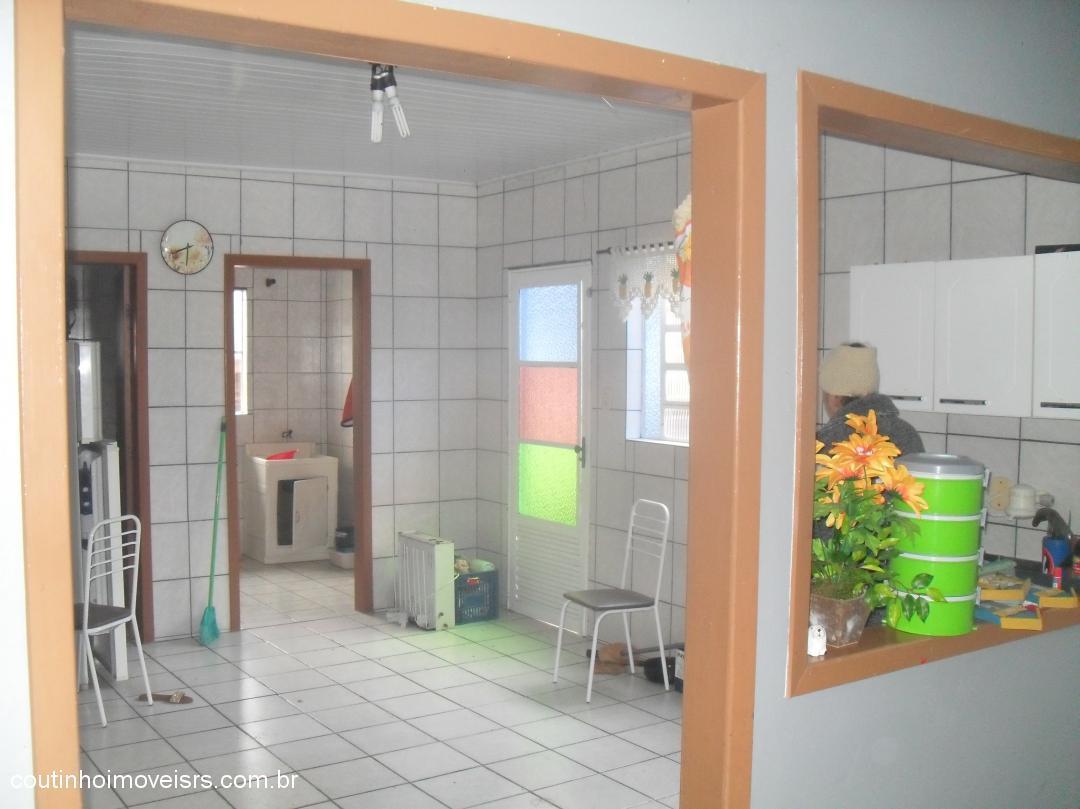 Coutinho Imóveis - Casa 3 Dorm, Laranjeira, Parobe - Foto 8