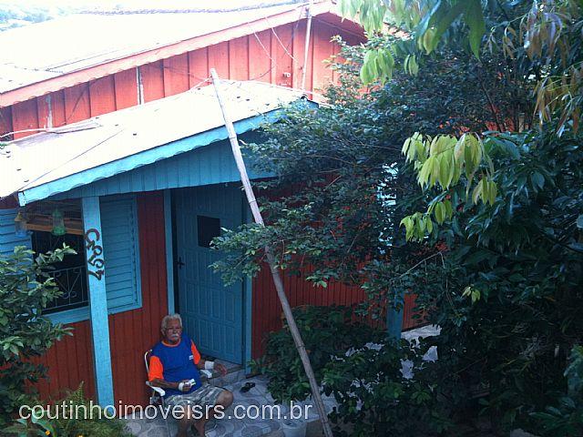 Coutinho Imóveis - Casa 2 Dorm, São Luiz (94399)