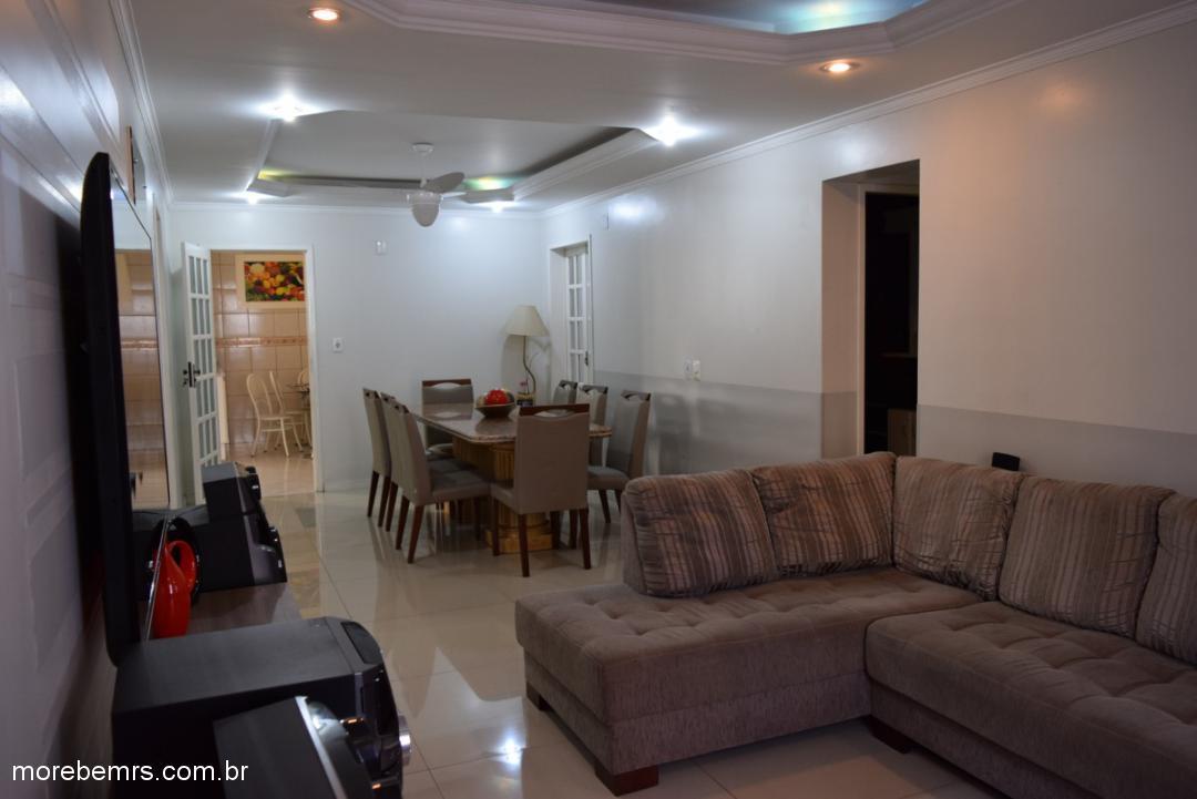 More Bem Imóveis - Casa 3 Dorm, Vista Alegre