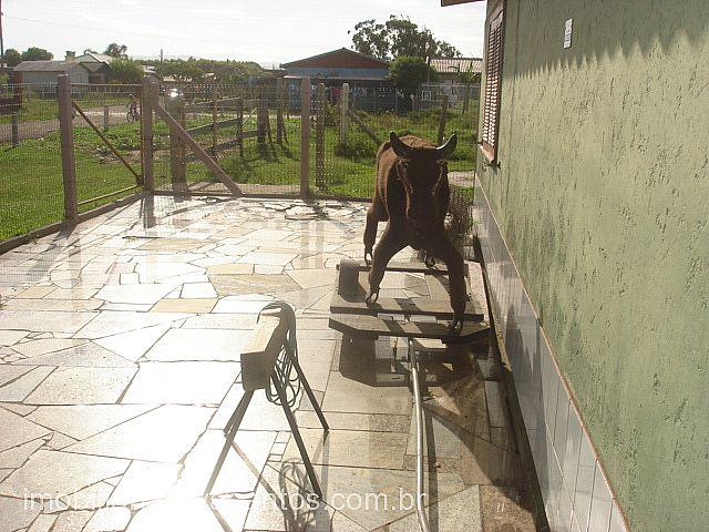 Imobiliária Silva Santos - Casa 3 Dorm, Araçá - Foto 3