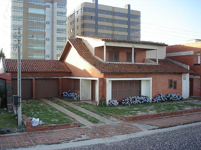 Imobiliária Silva Santos - Casa 5 Dorm, Zona Nova