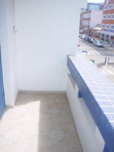Imobiliária Silva Santos - Casa 1 Dorm, Centro - Foto 2