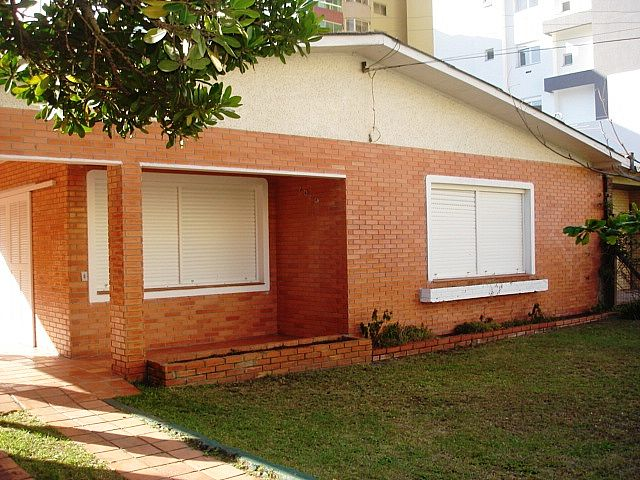 Imobiliária Silva Santos - Casa 4 Dorm, Zona Nova