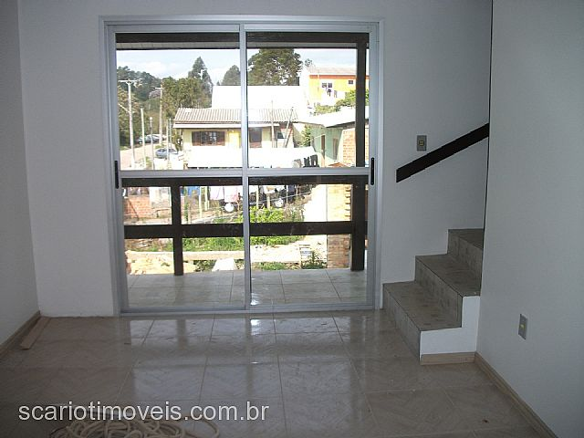 Casa 2 Dorm, Industrial, Caxias do Sul (149174)