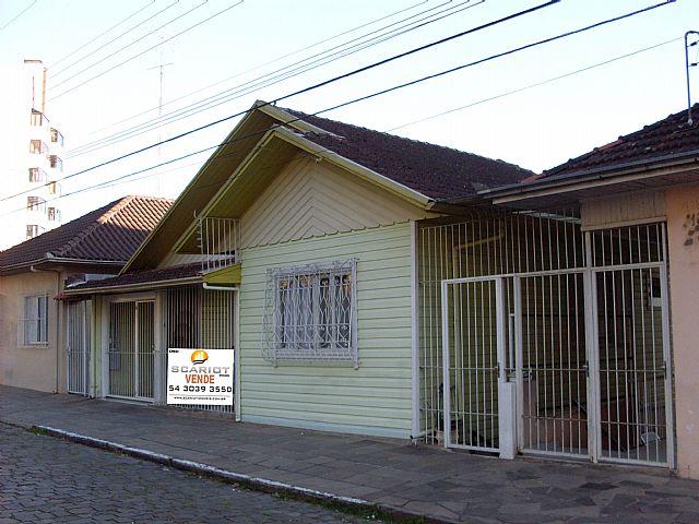 Scariot Imóveis - Casa 3 Dorm, Pio X (37564)