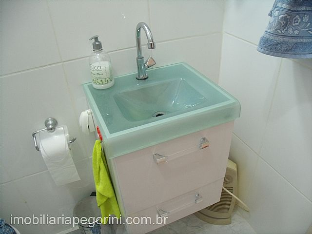 Imobiliária Pegorini - Apto 2 Dorm, Porto Alegre - Foto 2