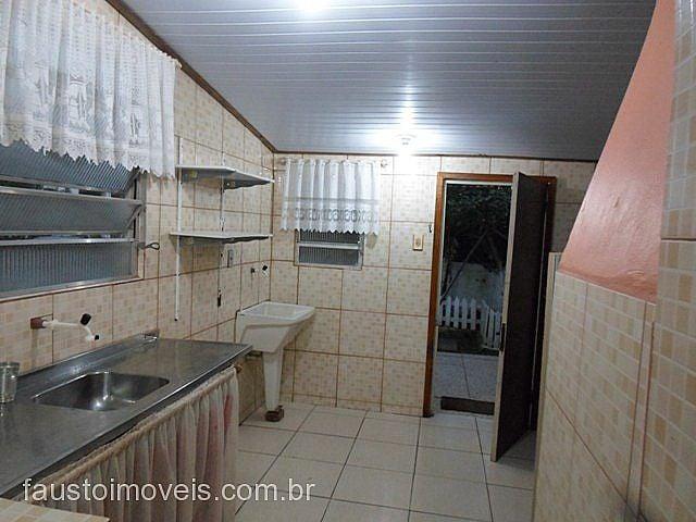 Fausto Imóveis - Casa 2 Dorm, Costa do Sol - Foto 2