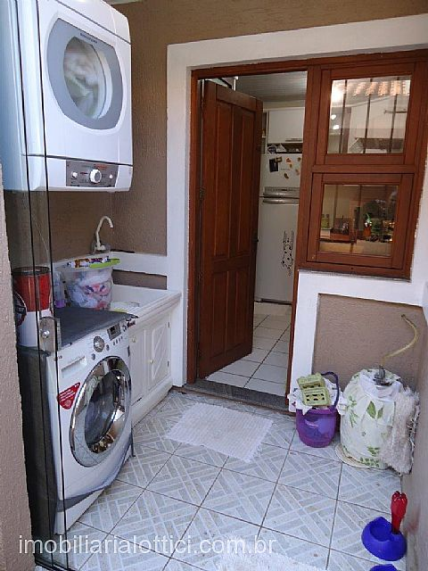 Imobiliária Lottici - Casa 2 Dorm, Ozanan, Canoas - Foto 5
