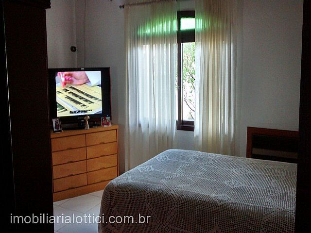 Imobiliária Lottici - Casa 2 Dorm, Niterói, Canoas - Foto 3