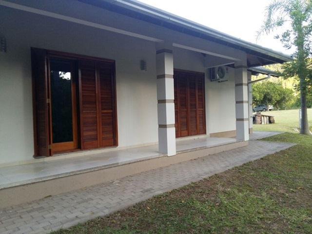 AtendeBem Imóveis - Casa 3 Dorm, Capivara, Portão