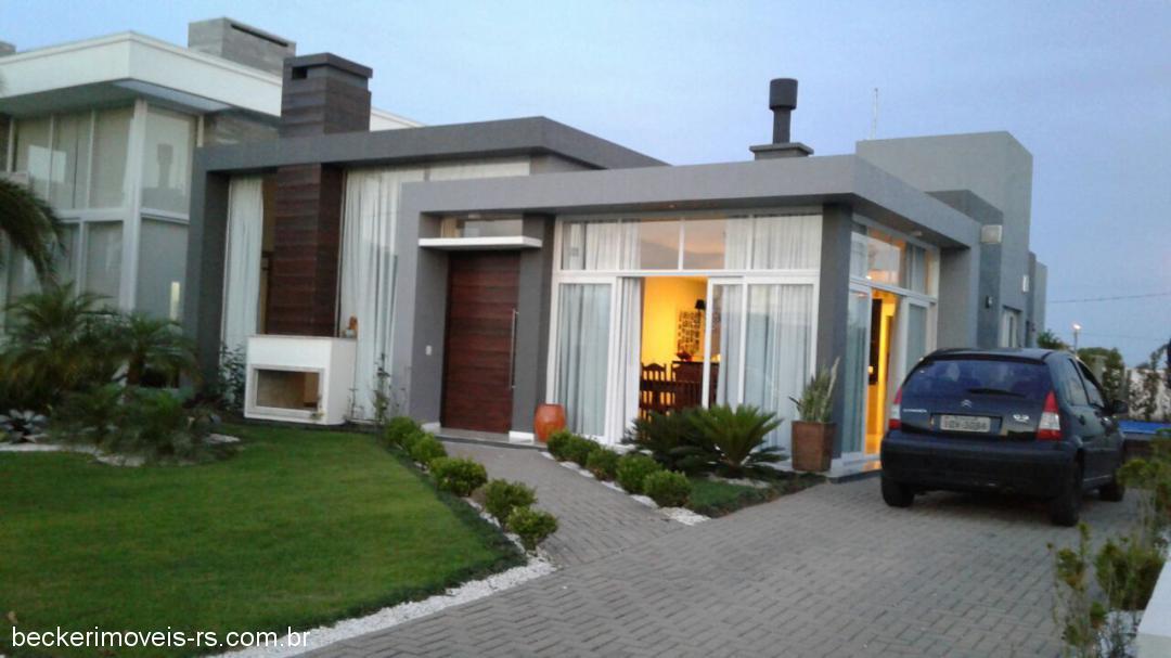 Becker Imóveis - Casa 4 Dorm, Condomínio Dubai
