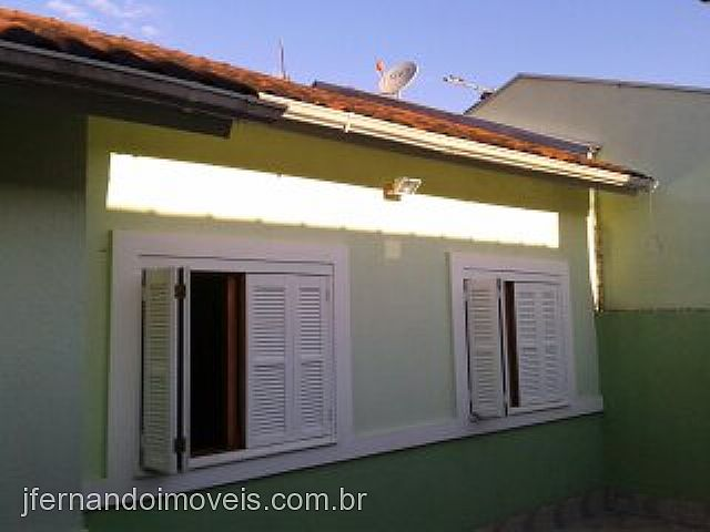 JFernando Imóveis - Casa 3 Dorm, Parque Ozanan